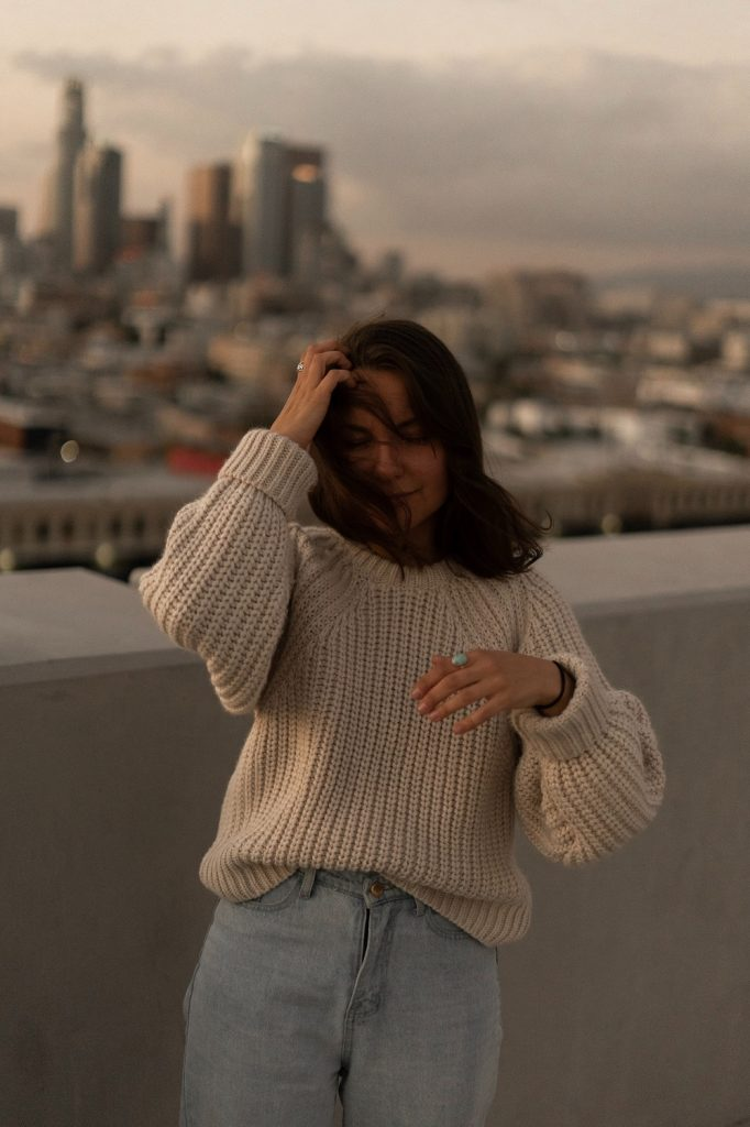 Fall Outfits - Knitwearwith Jeans